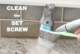 How To Clean A Bathtub With Comet How To Clean A Kitchen Sink And Make It Look Amazing In 15 Minutes