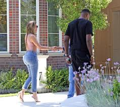 Khloe Kardashian Home by Khloe Kardashian Shops For 46k A Month Home In Hollywood With