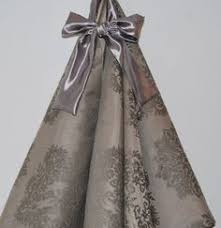 tree skirt by refined concepts