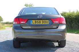 kia magentis saloon 2006 2010 features equipment and