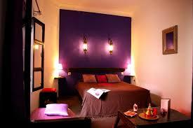 chambre prune et blanc chambre beige prune mobilier décoration