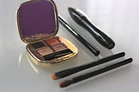 spilling my makeup bag with nordstrom kerrently by courtney kerr