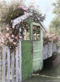 Upcycled Garden Decor Best 25 Vintage Garden Decor Ideas On Pinterest Vintage