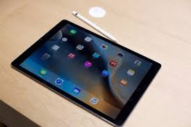 microsoft surface pro 2017 vs apple ipad pro 2017 comparing