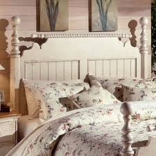 Wilshire Bedroom Furniture Collection Hillsdale Wilshire 5 Piece Poster Bedroom Set In Antique White