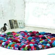 tapis pour chambre de bébé grand tapis chambre enfant tapis pour chambre denfant en pompons de