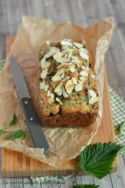 cuisiner les orties cake orties amandes vegan la gourmandise selon angie