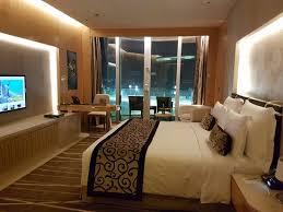 chambre d hotel dubai chambre avec vue photo de the meydan hotel dubaï tripadvisor