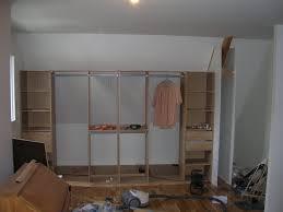 comment faire un placard dans une chambre chambre faire un placard mural comment installer un placard de