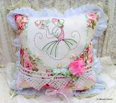 Shabby Chic Cushions by 129 Best Cuscini Images On Pinterest Emojis Cushions And Crafts