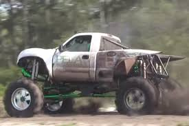 video twin turbo duramax mud truck sets the pace