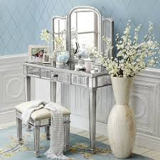 Small Bedroom Vanity by Tips Modern Mirrored Makeup Vanity For The Beauty Room Ideas