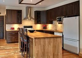 peindre des armoires de cuisine en bois peinture armoire cuisine fabulous peinture cuisine meuble marron