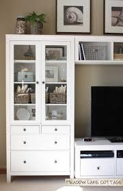 Como Tener Una Fantastica Alacena Ikea Con Un Serie Ikea Hemnes En Tu Salón Salon Cocina Hemnes Y Ikea
