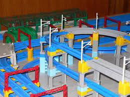 tomy trains and layouts