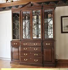 Break Front Cabinet Harden Lighted Breakfront Chippendale Style China Cabinet Ebth