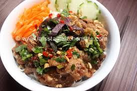 cuisiner vermicelle de riz bún thịt nướng vermicelles de riz au porc grillé à la citronnelle