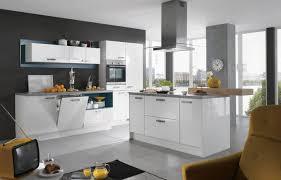 kche wei mit holzarbeitsplatte 10 graue und weiße küche design ideen graue kuche mit