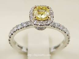 yellow engagement rings a buyer s review fancy yellow diamond engagement ring