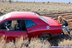jeep stuck in mud 2 girls dodge challenger rt mud stuck 005 jpg