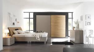Schlafzimmer Hochglanz Beige Schlafzimmer Beige Ungesellig Auf Moderne Deko Ideen Zusammen Mit 7