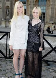 how old is dakota fanning kate middleton elle and dakota fanning discovered to be cousins