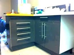 poignet de porte de cuisine poignee pour meuble cuisine poignees de meubles de cuisine