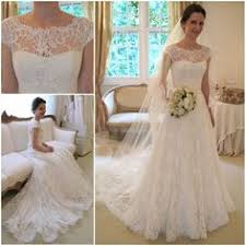 Vintage Lace Wedding Dress Vintage A Line Lace Wedding Dresses I Like The Neckline On This