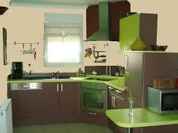 cuisine verte et marron idées couleur des murs pour cuisine vert amande et chocolat
