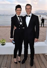 What To Wear To A Cocktail Party Male - guy pearce and carice van houten pictured looking cosy in los