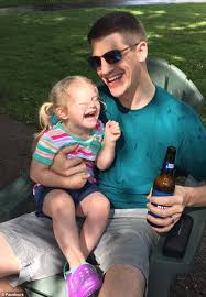 Color Blind Men Colorblind Michigan Man Sees Daughter U0027s Eyes Daily Mail Online