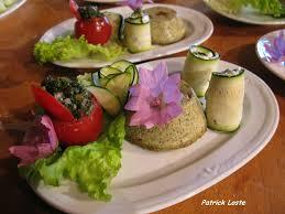 cuisiner les herbes sauvages cueillette et cuisine des plantes sauvages savoie mont blanc