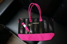 victoria secret free tote bag black friday victoria u0027s secret black friday 2013 limited ed weekender bag