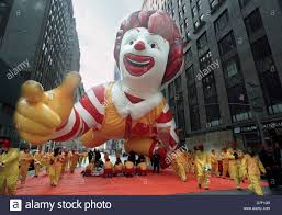 balloon handlers for the ronald mcdonald balloon start the