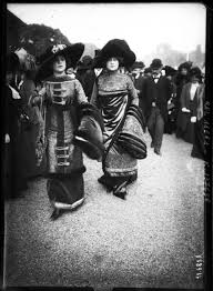 1910 paris some of the world u0027s first street style photography