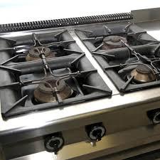 gaz de cuisine comment entretenir une cuisinière à gaz