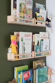 rangement chambre d enfant 5 idées pour ranger une chambre d enfant lili in
