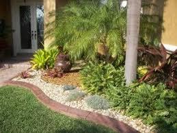 Modern Front Yard Desert Landscaping With Palm Tree And Best 25 Landscaping With Palm Trees Ideas On Pinterest Garden