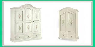 mobili armadi economici lo straordinario romanticismo dei mobili decorati in stile shabby