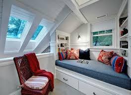 chambre dans les combles chambre sous les combles 30 idées d aménagement et déco