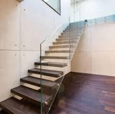 treppen aus holz treppen aus holz und metall modern und traditionell