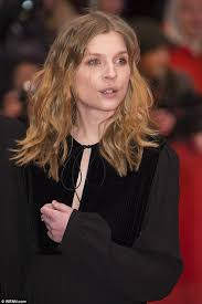 hair style giving birth clemence poesy s first red carpet call since giving birth daily