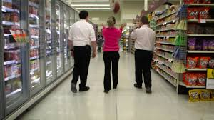 Iowa travel supermarket images Living the nfl dream at kurt warner 39 s iowa grocery store jpg