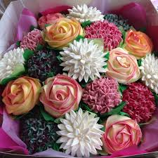 Easy Giant Cupcake Decorating Ideas Best 25 Flower Cupcakes Ideas On Pinterest Pretty Cupcakes