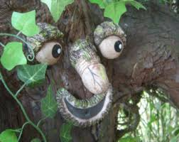 willy the rude tree take a peek garden statues
