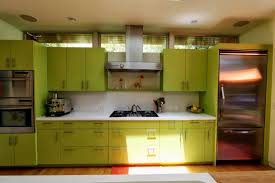 Yellow Kitchen Walls With Oak Cabinets by Pale Yellow Kitchen Cabinets Zamp Co