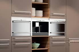 couleur d armoire de cuisine peinture marron cuisine et cuisine avec mur jaune avec cuisine mur