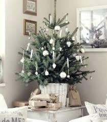 christmas decoration ideas for apartments 5 small apartment christmas decorating ideas city mum