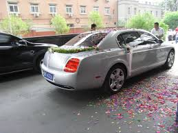 wedding bentley the best wedding car decorations fun ways to decorate the