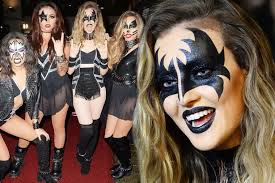Halloween Costumes Kiss Perrie Edwards U0027 Perfect Kiss Halloween